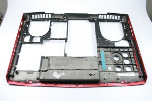 DELL Alienware M17x R4 Bottom Base Gehäuseboden rot K9J44